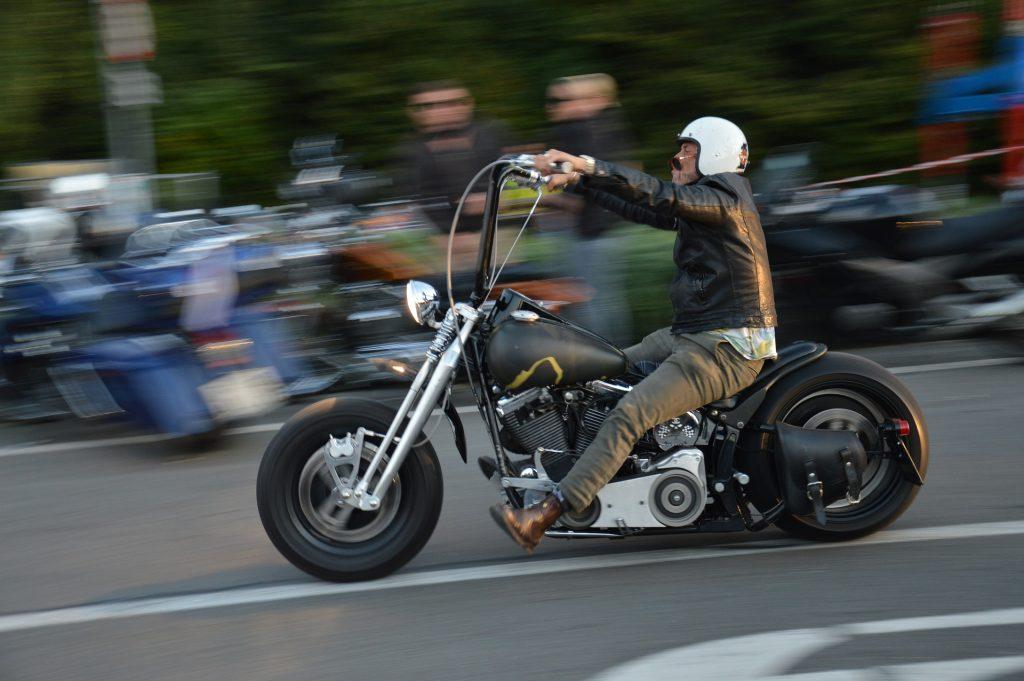 Chopper de Harley-Davidson en un desfile