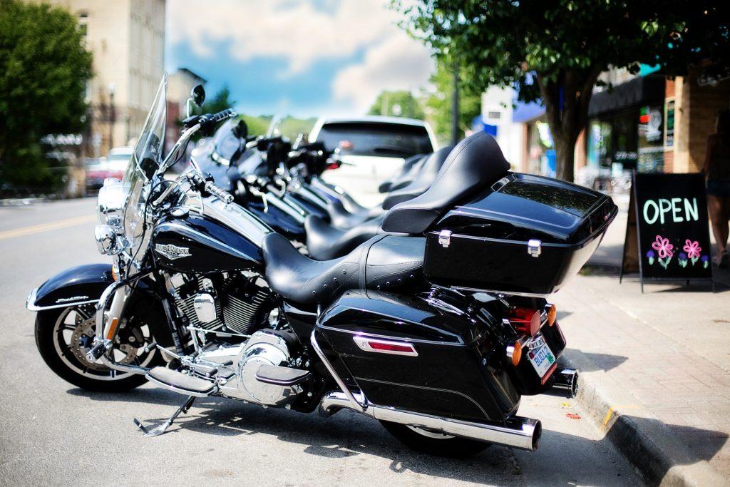 Moto bagger moderna moteros custom club