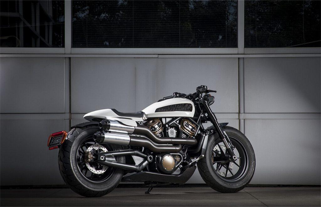 Moteros custom club prototipo de la custom 1250 de Harley