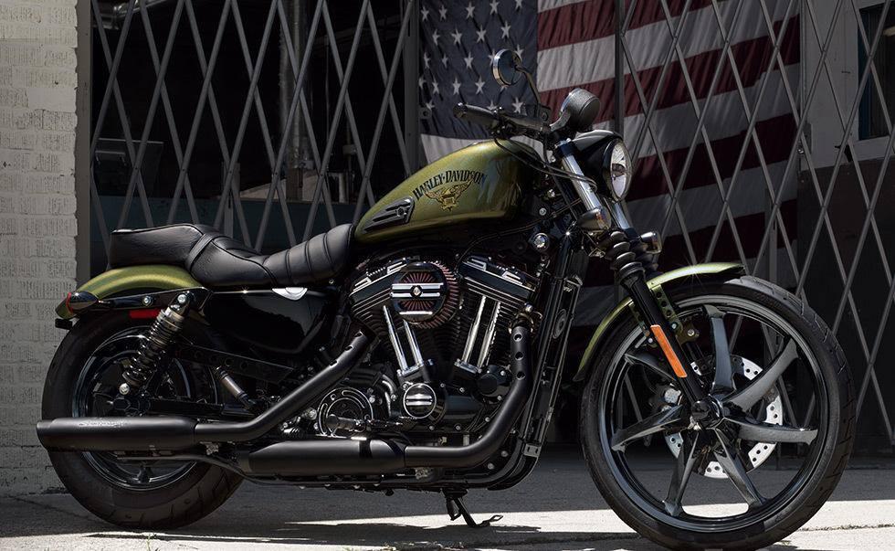 Dark Custom Iron 883 New